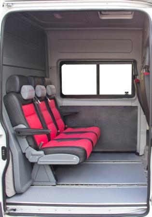 Грузопассажирский микроавтобус Фиат Дукато 6 мест. пассажирские отделение микроавтобуса. Салон микроавтобуса.