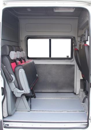 Багажное отделение нового грузо-пассажирского автомобиля Фиат Дукато.